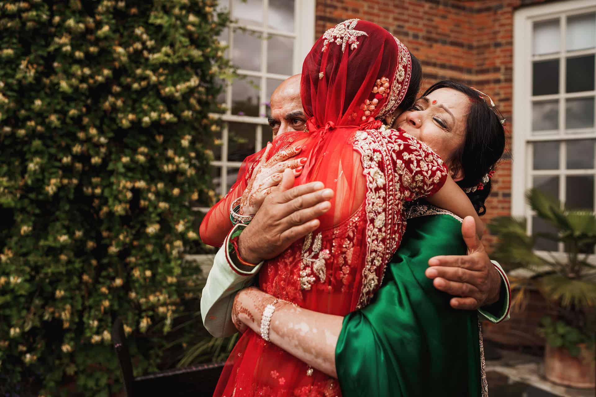 quendon parklands outdoor hindu wedding