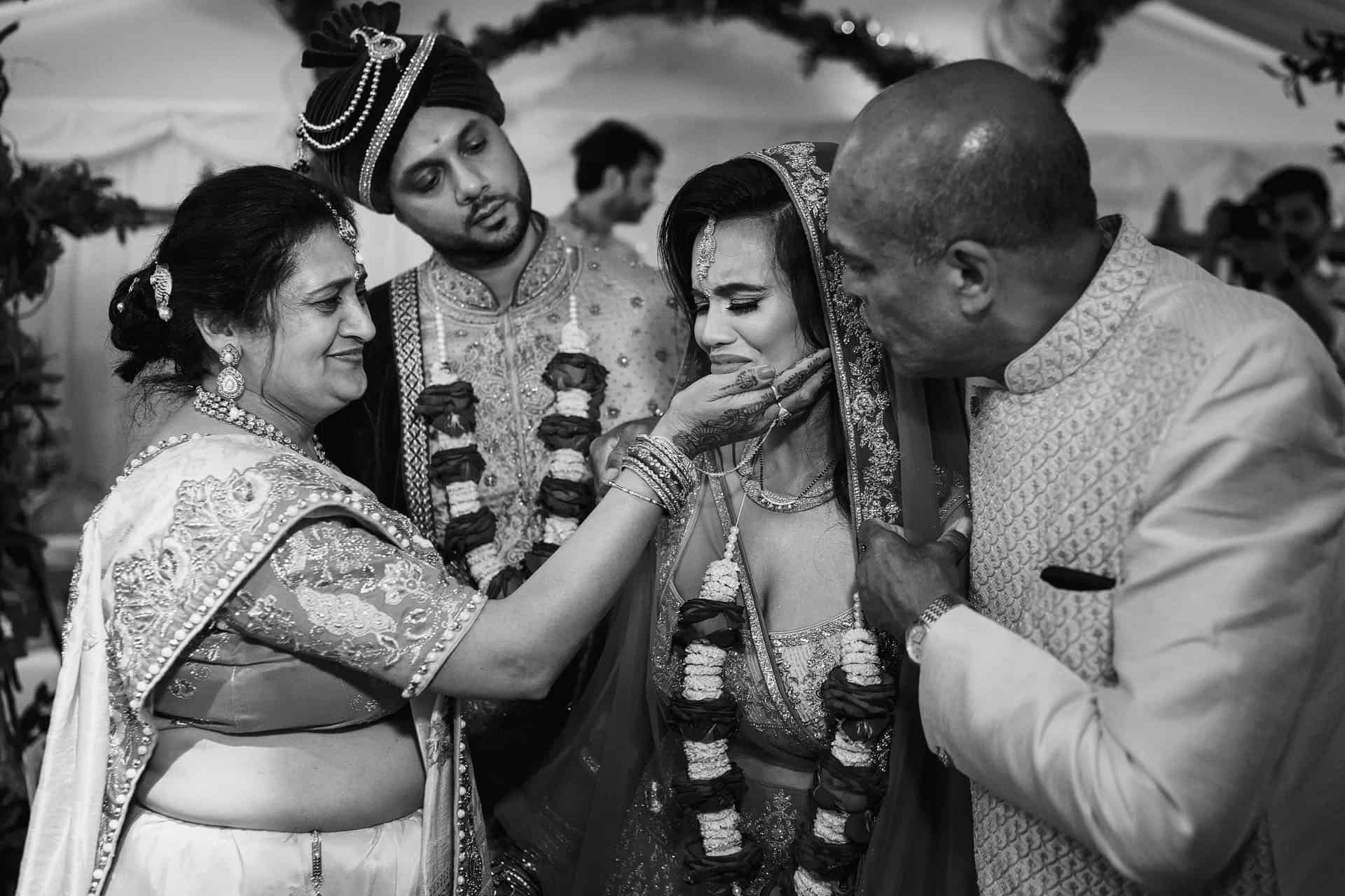 tewin bury farm indian wedding photos