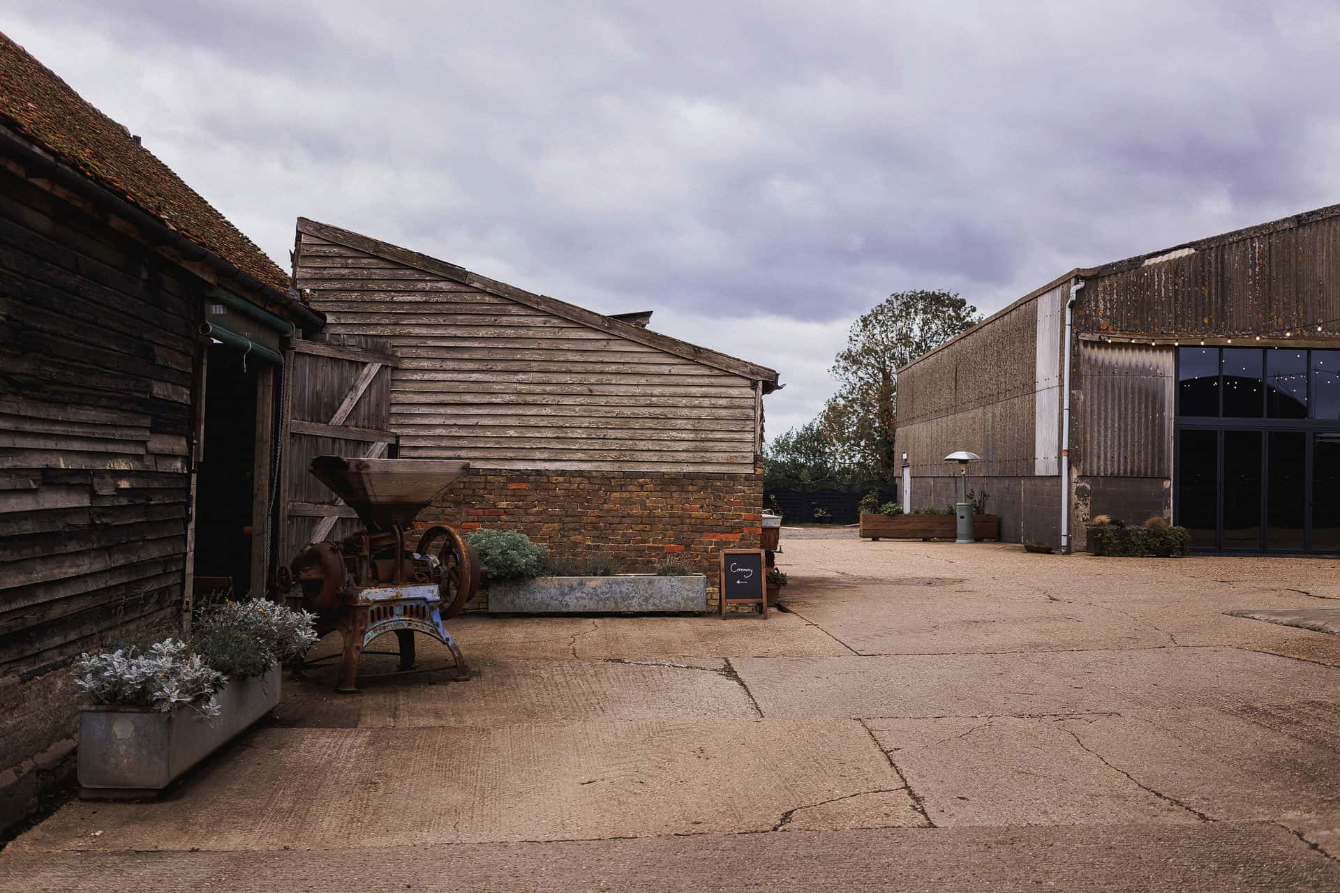 barns at lodge farm wedding photographer
